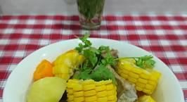 Hình ảnh món Canh xương hầm khoai tây ? cà rốt ?,bắp mỹ ?