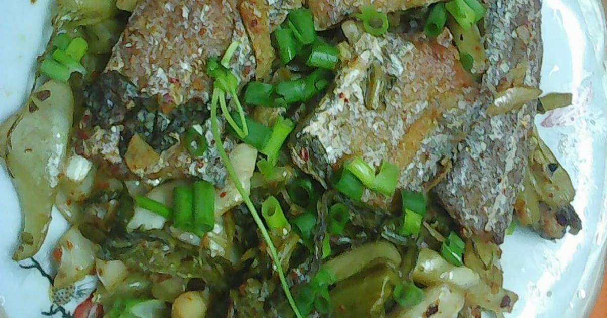 Cá hố kho dưa cải