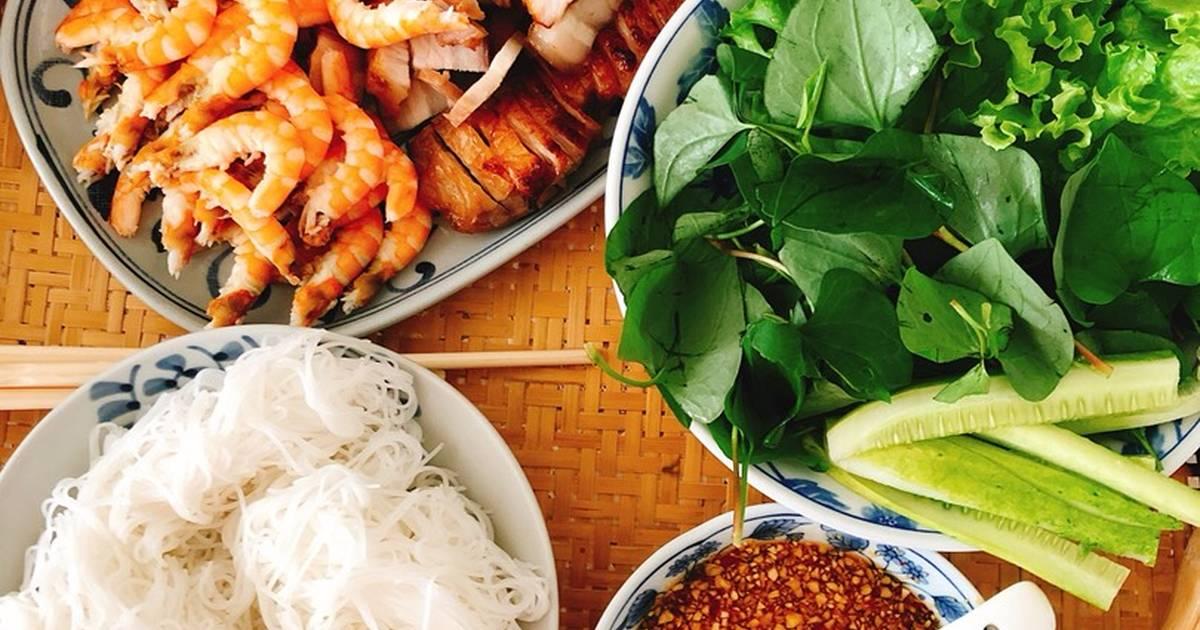 Thịt rim nước dừa, Tôm hấp, cuốn bánh tráng