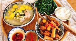 Hình ảnh món Thịt gà kho măng tươi.  Canh bí nấu hạt sen giò heo