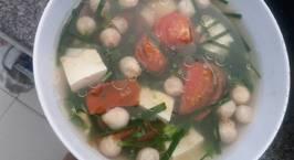 Hình ảnh món Canh cà chua, hẹ, nấm rơm nâú đậu hũ trắng (chay)
