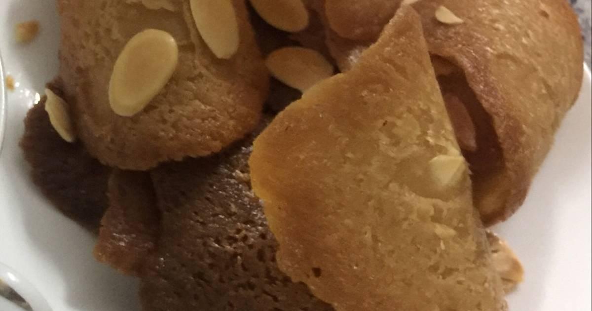 Bánh ngói cà phê hạnh nhân