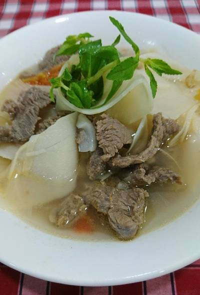 Canh măng chua nấu thịt bò
