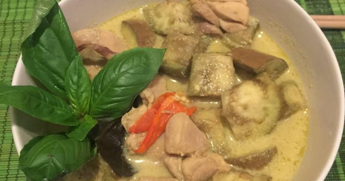 Cà ri xanh Thái Lan (Thai Green Curry with Chicken)