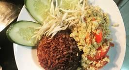 Hình ảnh món Cơm gạo lứt ăn với trứng xào nhanh gọn cho buổi sáng bận rộn