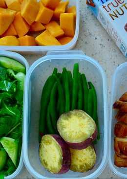 Gà nướng ngũ vị kèm rau các loại