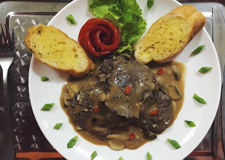 Bò Úc sốt nấm