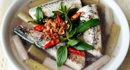 Hình ảnh món Cá XƯƠNG XANH nấu canh chua bông súng với cơm mẻ