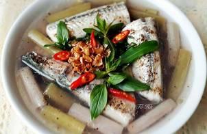 Cá XƯƠNG XANH nấu canh chua bông súng với cơm mẻ