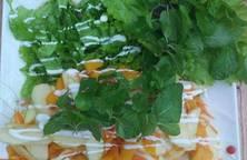 Salad rau củ sốt chanh leo mix cam