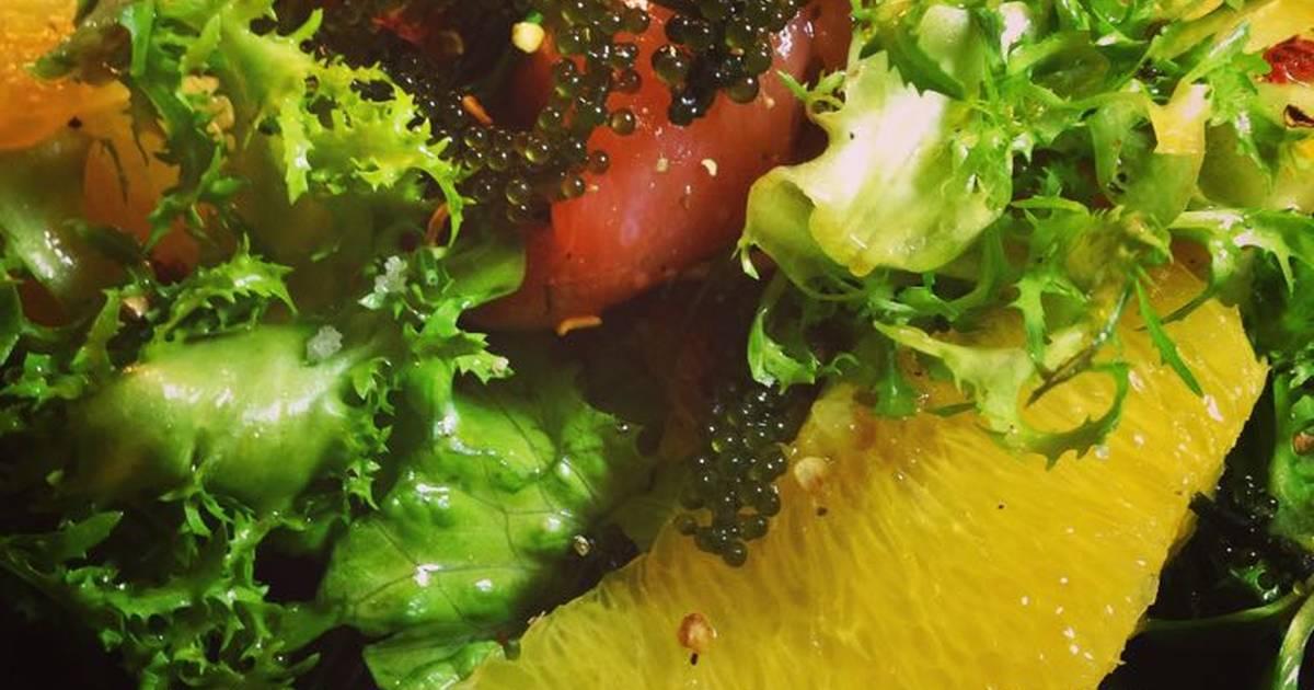 Salad Cá Hồi Muối và Rong Nho