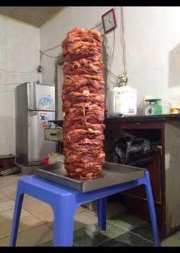 Bánh mì kẹp thịt