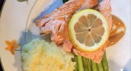 Hình ảnh món Cuối tuần: cá hồi chiên ăn kèm măng tây và khoai tây nghiền