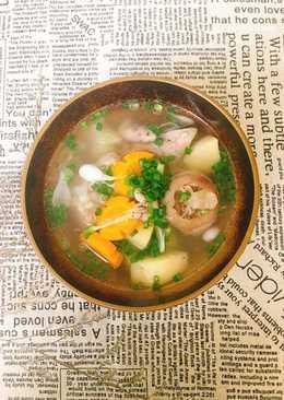 Canh Giò Heo Nấu Carot Khoai Tây