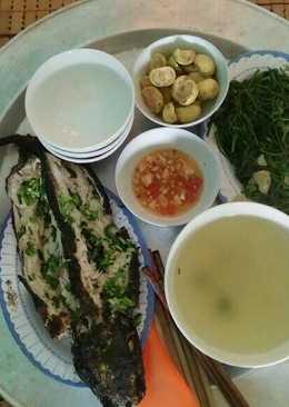 Cá chuối nướng. Bữa trưa tuyệt vời!!! :)