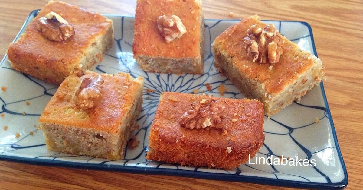 Bánh bơ hạt óc chó (Walnut Butter Cake)