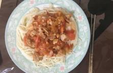 Mì trộn sốt cà chua