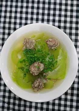 Canh bí xanh nấu thịt viên