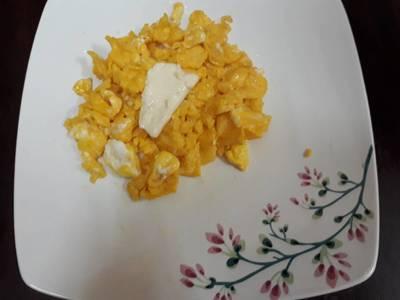 Trứng xào phô mai