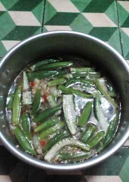 Cá ngừ kho đậu bắp