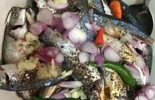Cá nục kho cay