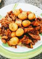 Thịt kho trứng cút