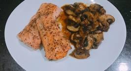 Hình ảnh món Cá Hồi Áp Chảo - ăn kèm Nấm Mỡ Sốt Tiêu Đen