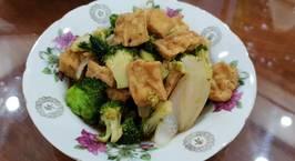 Hình ảnh món Đậu Hũ Xào Bông Cải Xanh Sốt Dầu Hào Chay