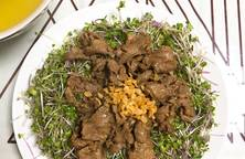 Rau mầm trộn bò