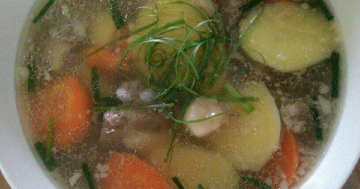 Canh xương với khoai tây