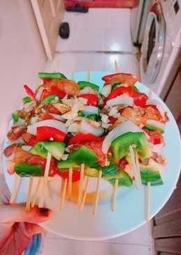 Thịt xiên nướng rau củ bằng chảo