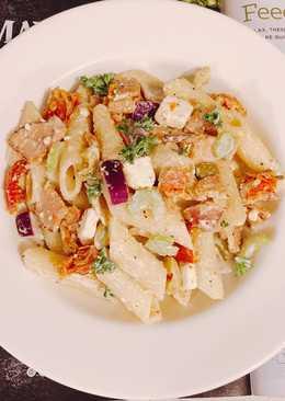 Creamy Pasta Salad& Bacon