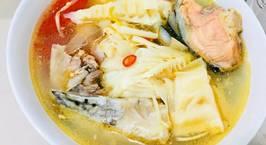 Hình ảnh món Canh măng chua đầu cá hồi