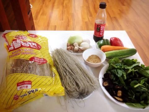 Miến xào Japchae Hàn Quốc recipe step 1 photo