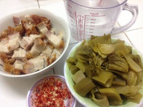 Heo Quay Kho Dưa Cải recipe step 1 photo