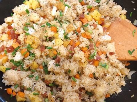Cơm chiên hải sản trái thơm recipe step 4 photo