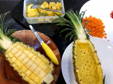 Cơm chiên hải sản trái thơm recipe step 1 photo