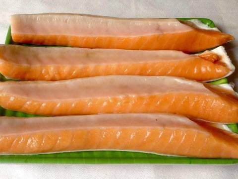 Canh cải chua nấu với lườn cá hồi recipe step 1 photo