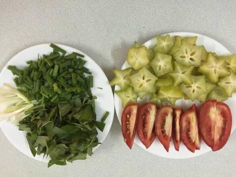 Canh bắp bò nấu khế và cà chua recipe step 2 photo