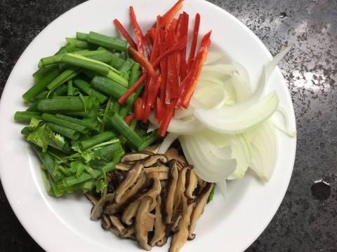 Miến xào hải sản. recipe step 5 photo