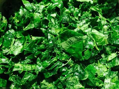 Canh rau ngót nấu với thịt băm recipe step 2 photo