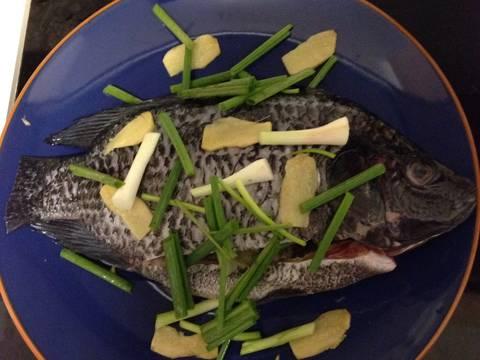 Cá rô phi biển (Tilapia) sốt Nyonya Sambal recipe step 2 photo