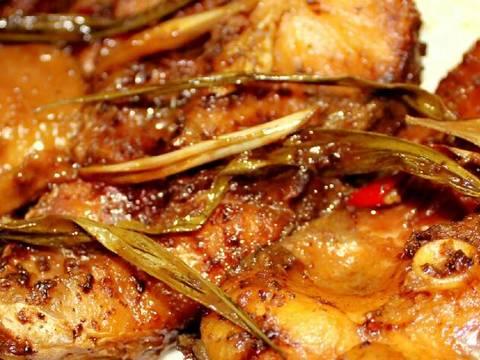 Cá trắm kho tương bần recipe step 8 photo