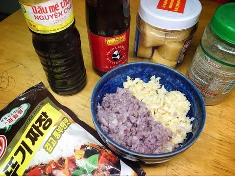 Ba rọi rút sườn cháy sốt tiêu hành recipe step 1 photo