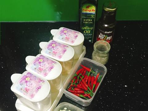 Cá Hồi Áp Chảo - ăn kèm Nấm Mỡ Sốt Tiêu Đen recipe step 3 photo