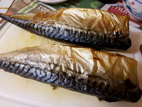 Cá nục nướng kho bước làm 2 hình