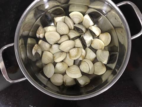 Canh nghêu rau muống recipe step 1 photo