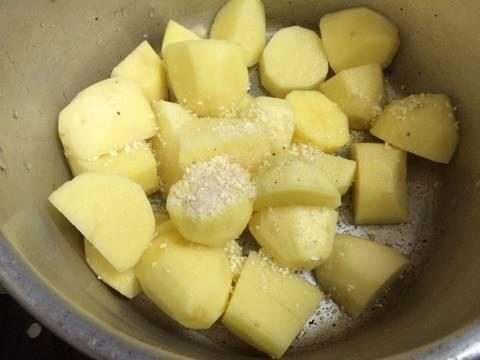 Canh xương khoai tây recipe step 2 photo