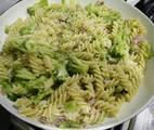 Hình ảnh bước 7 Mỳ Fusilli Với Broccoli Sốt Kem