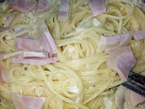 Spaghetti Sốt Kem Phô Mai Nấm Mỡ bước làm 4 hình